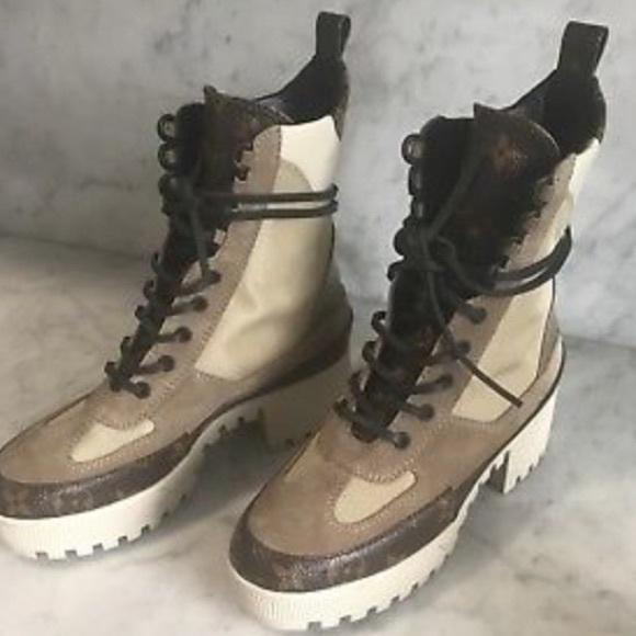 Authentic Louisvuitton Desert Boots
